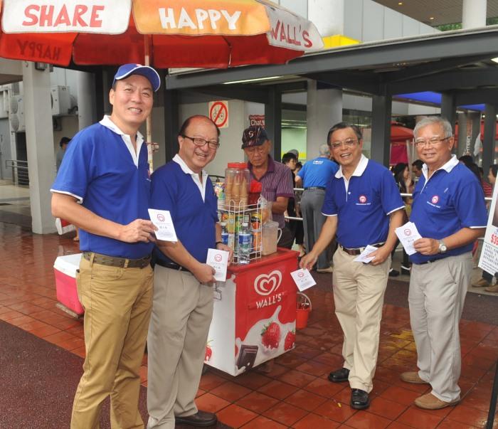 SingFirst with ice cream vendor